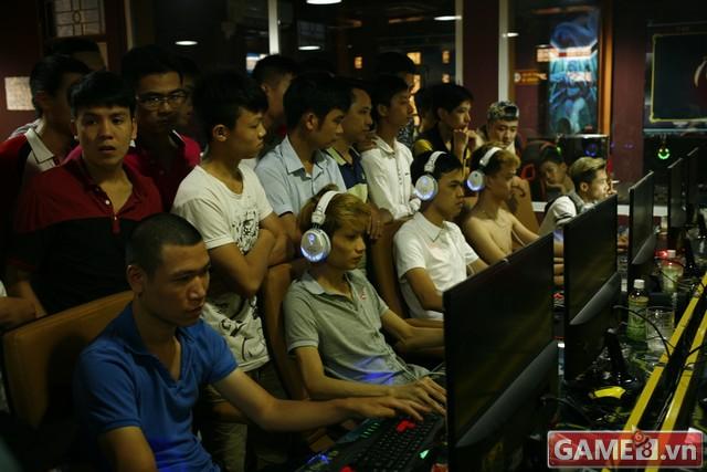 Vi hành quán net: AZ Gaming Center đập chuột thoải mái khi trang bị 2 chuột trên 1 máy tính - ảnh 4