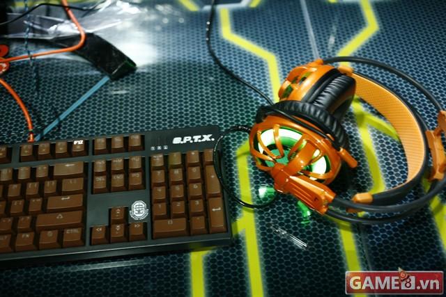 Vi hành quán net: AZ Gaming Center đập chuột thoải mái khi trang bị 2 chuột trên 1 máy tính - ảnh 10