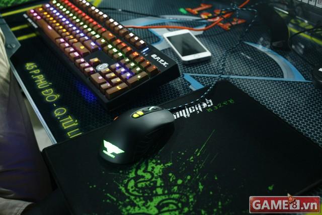 Vi hành quán net: AZ Gaming Center đập chuột thoải mái khi trang bị 2 chuột trên 1 máy tính - ảnh 12