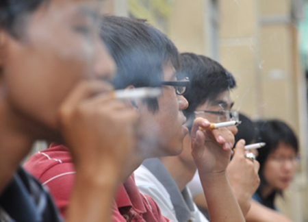 Hỏng cả phổi vì chơi game và hút thuốc quá độ, bài học cảnh tỉnh cho giới trẻ - ảnh 3