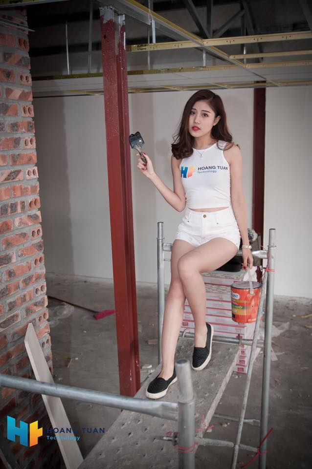 Kỳ lạ dịch vụ lắp đặt quán net thuê cả hotgirl để ngồi...trát vữa - ảnh 4