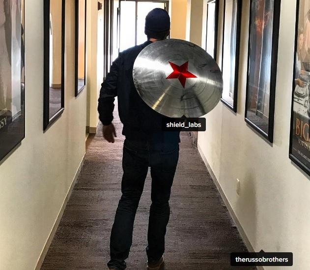 Bucky ám chỉ sẽ thay thế Steve Rogers làm Captain America mới ? - ảnh 1