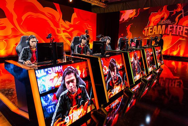 Điểm tin Game Online ngày 8/12: Nhìn lại nền thể thao điện tử Việt Nam 2016