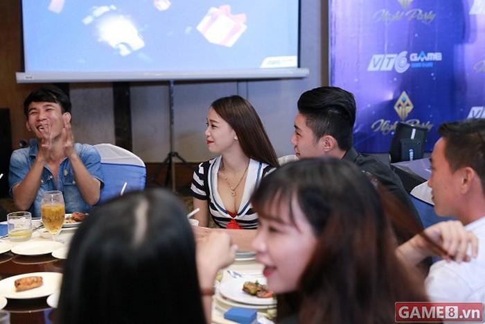 Điểm danh những nữ game thủ đã là VIP mà lại còn XINH của NPH VTC Game - ảnh 12
