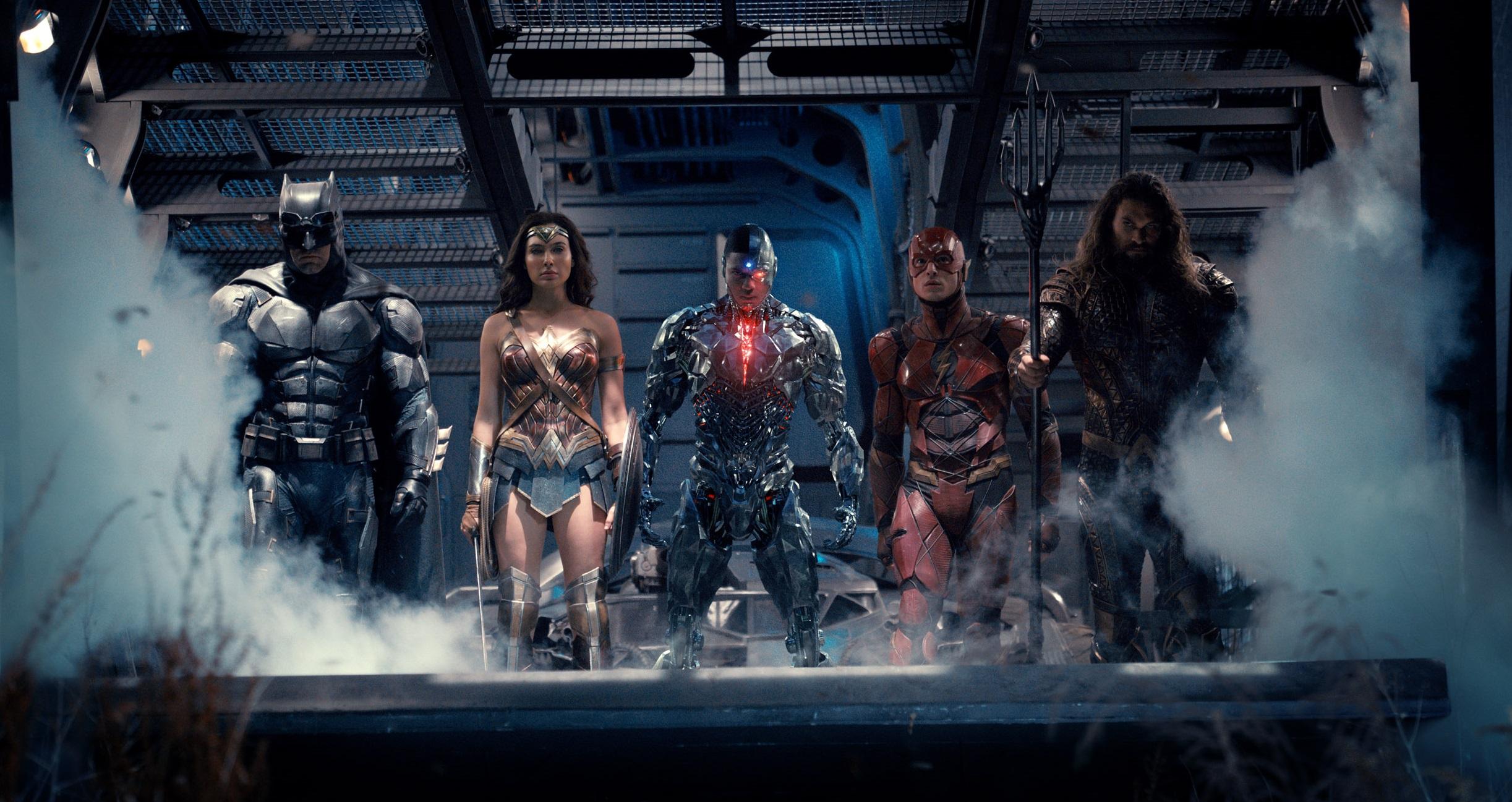 Lộ diện hình ảnh mới về Batman và nhóm siêu anh hùng DC trong Justice League - ảnh 1