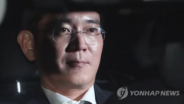 Samsung dừng một loạt hoạt động đầu tư do vụ bê bối của lãnh đạo cấp cao gần đây