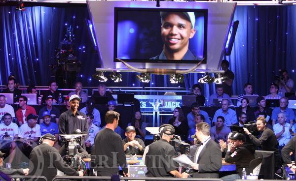 Những khoảnh khắc ấn tượng nhất giới Poker qua các thời kỳ (Phần I)