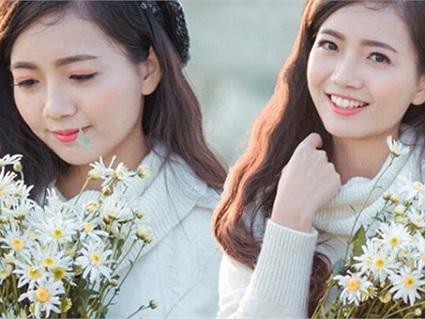 Thổn thức với vẻ đẹp tinh khôi của cô giáo dạy Toán xinh nhất Hà Nội