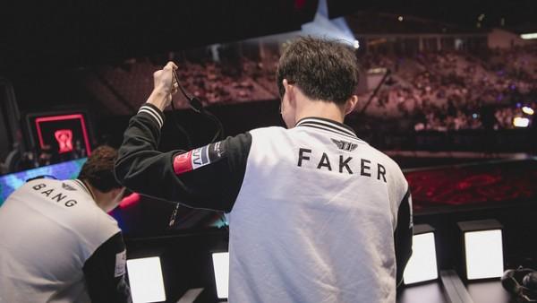 Tên ingame đầu tiên của Faker trong LMHT là Kinh Điển, mỗi tháng chỉ tiêu chưa đến 4 triệu đồng - ảnh 3